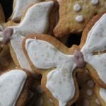 Biscotti di pasta frolla con glassa reale