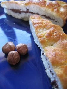 Focaccia dolce con crema gianduja alle nocciole