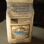 Farina Molino Ronci integrale macinata a pietra con grani teneri italiani di derivazione biologica