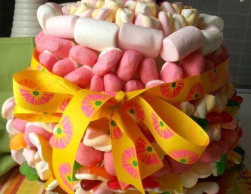 Torta di caramelle e marshmallow