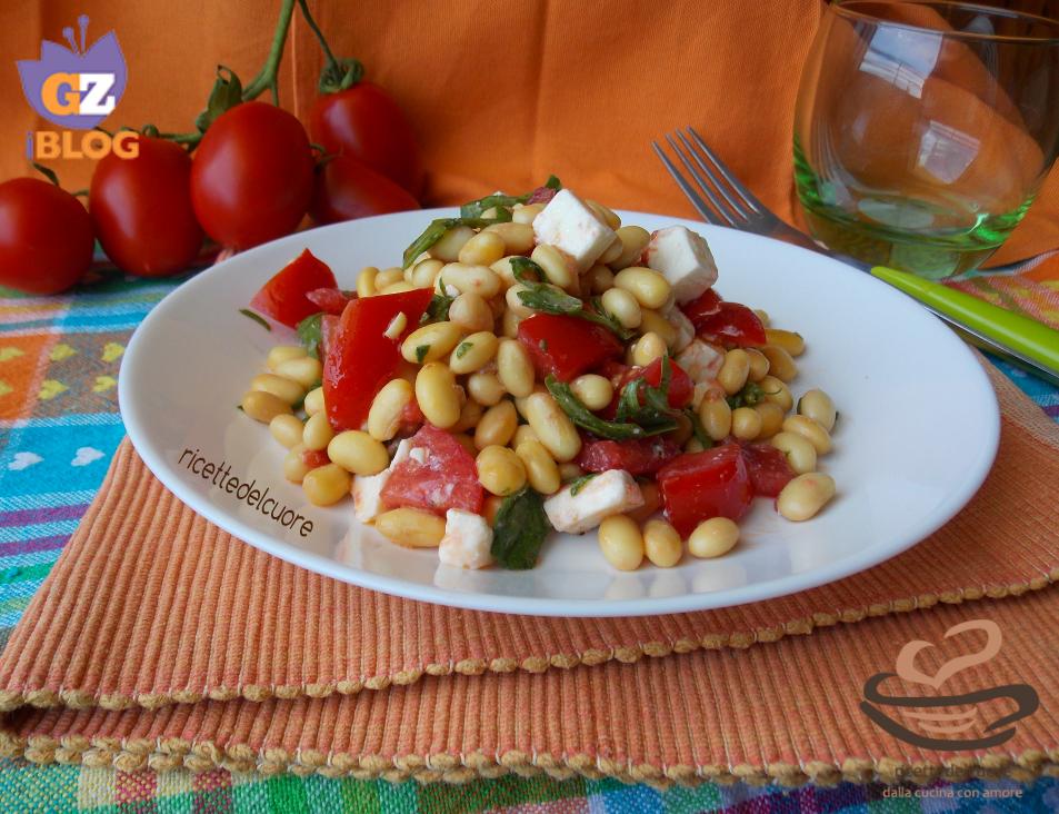 Insalata di soia gialla pomodorini vesuviani e feta