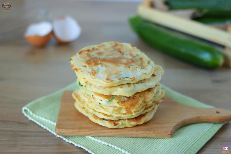 Pancake salati alle zucchine