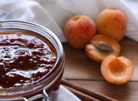 Confettura di albicocche classica e con poco zucchero
