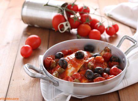 Filetti di platessa con pomodorini capperi e olive