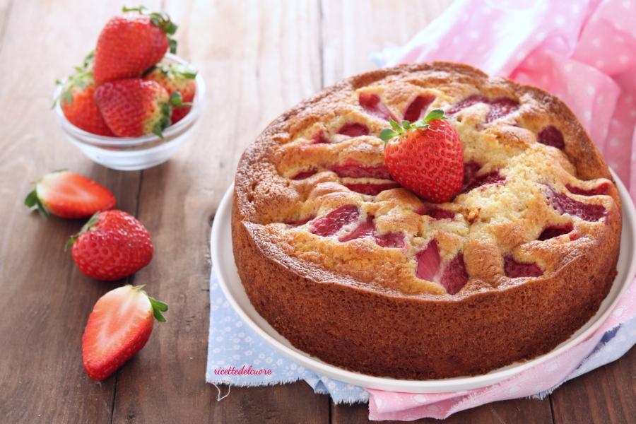 Torta veloce e soffice alle fragole