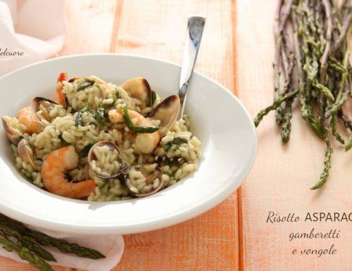 Risotto asparagi gamberetti e vongole