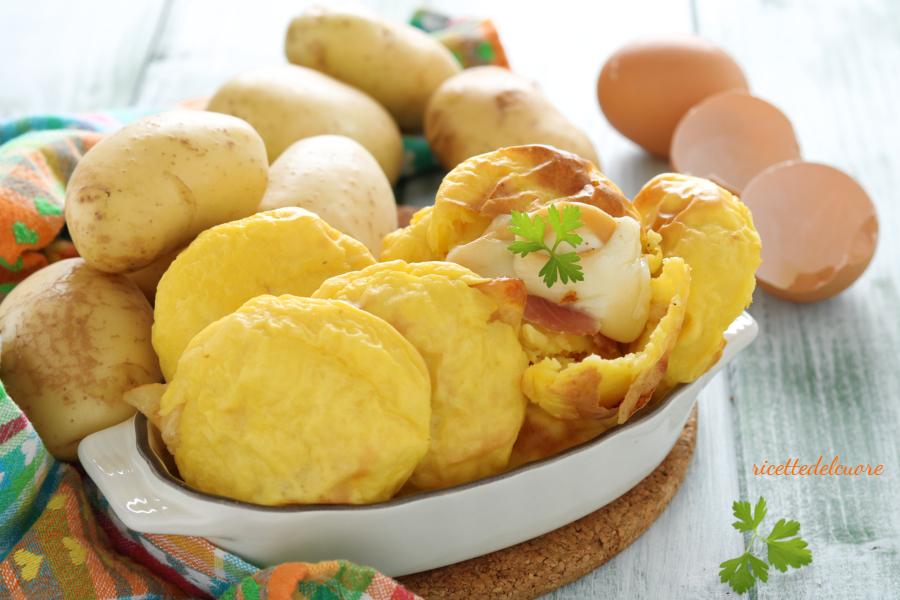 Focaccine di patate ripiene