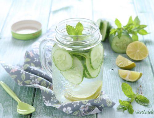 Acqua Detox cetriolo menta e lime
