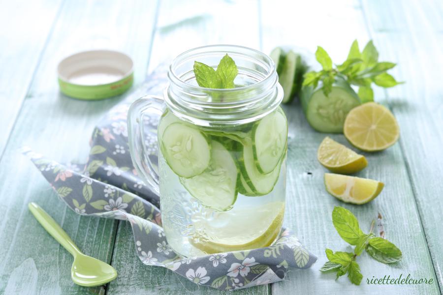 bevanda detox al cetriolo 7 giorni di pulizia probiotica