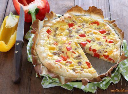 Torta salata peperoni e salsiccia