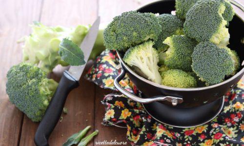 Come pulire cuocere e conservare i broccoli