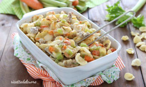 Orecchiette gratinate con verdure e salsiccia
