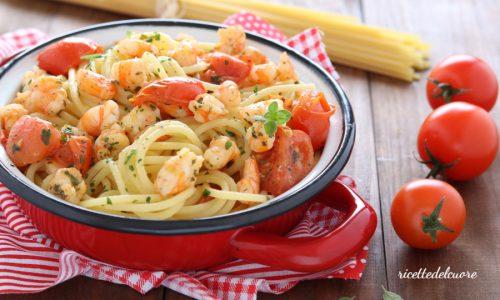 Spaghetti gamberetti e pomodorini