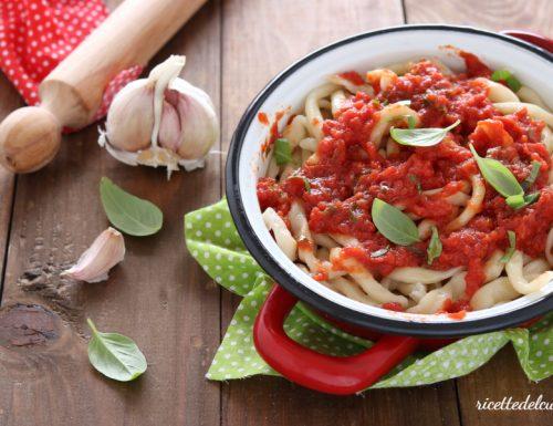 Umbricelli pomodoro e basilico