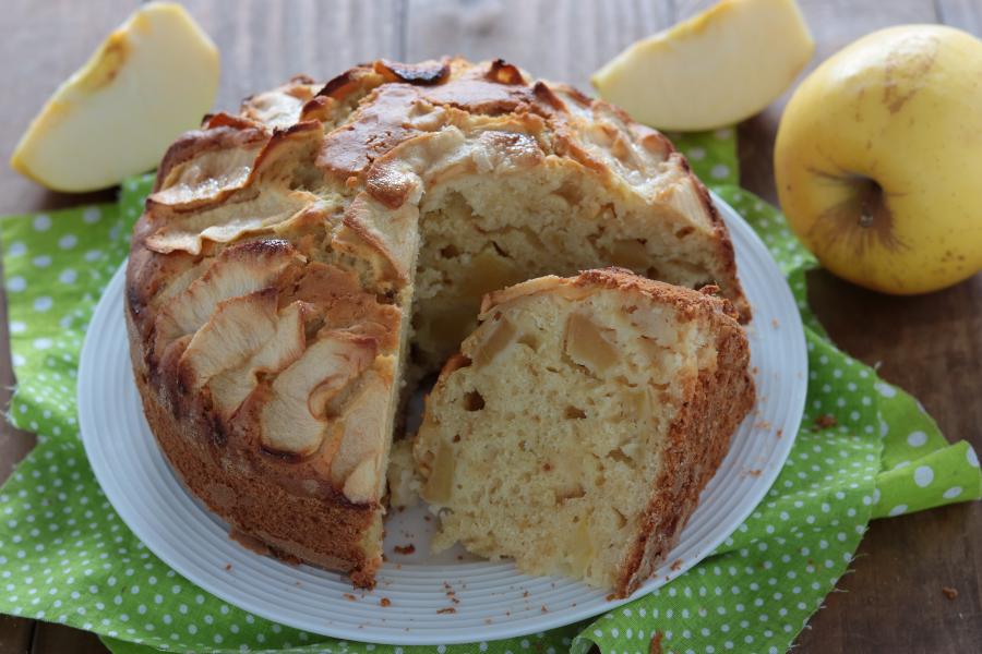 Torta di mele e vaniglia morbida