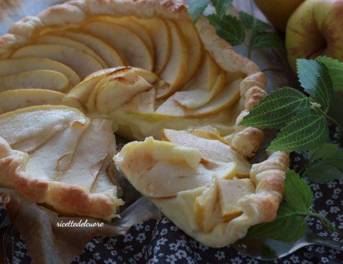 Crostata di sfoglia crema e mele