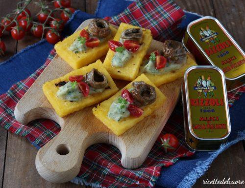 Crostini di polenta e alici