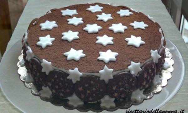 Torta Pan di Stelle, la torta che si prepara con i biscotti e nutella