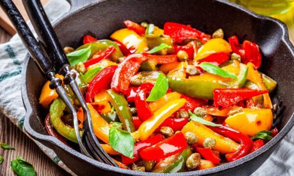 Peperoni a filetti al forno: ecco l'ottima ricetta