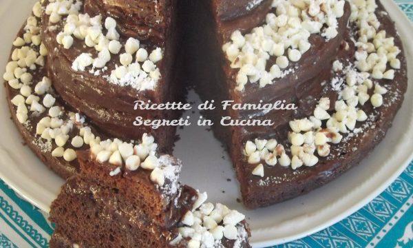 Torta Papa Nero alla Ricotta farcita Nutella Ricotta e Gocce di Cioccolato Bianco