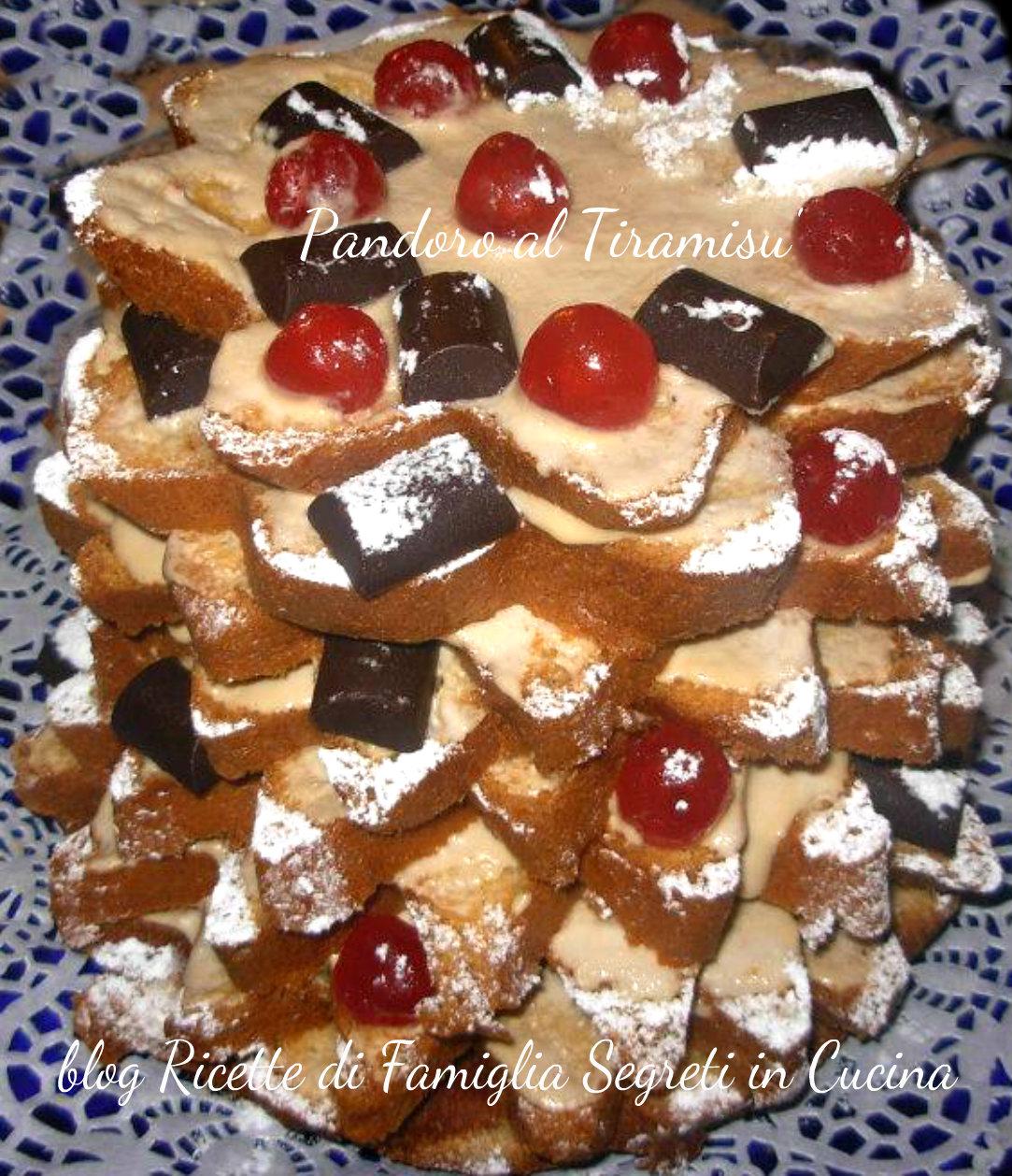 Pandoro albero di Natale al Tiramisù