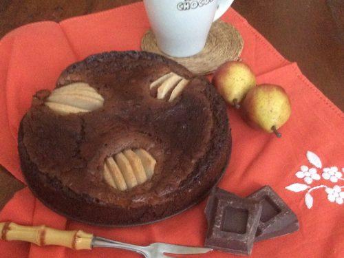 Torta pere cioccolato al latte, fondente e cacao