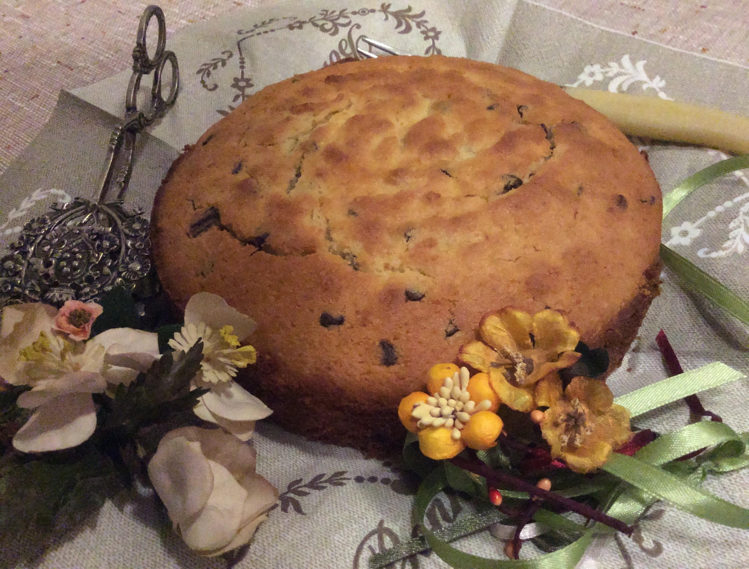 Torta con farina di mandorle e gocce di cioccolato