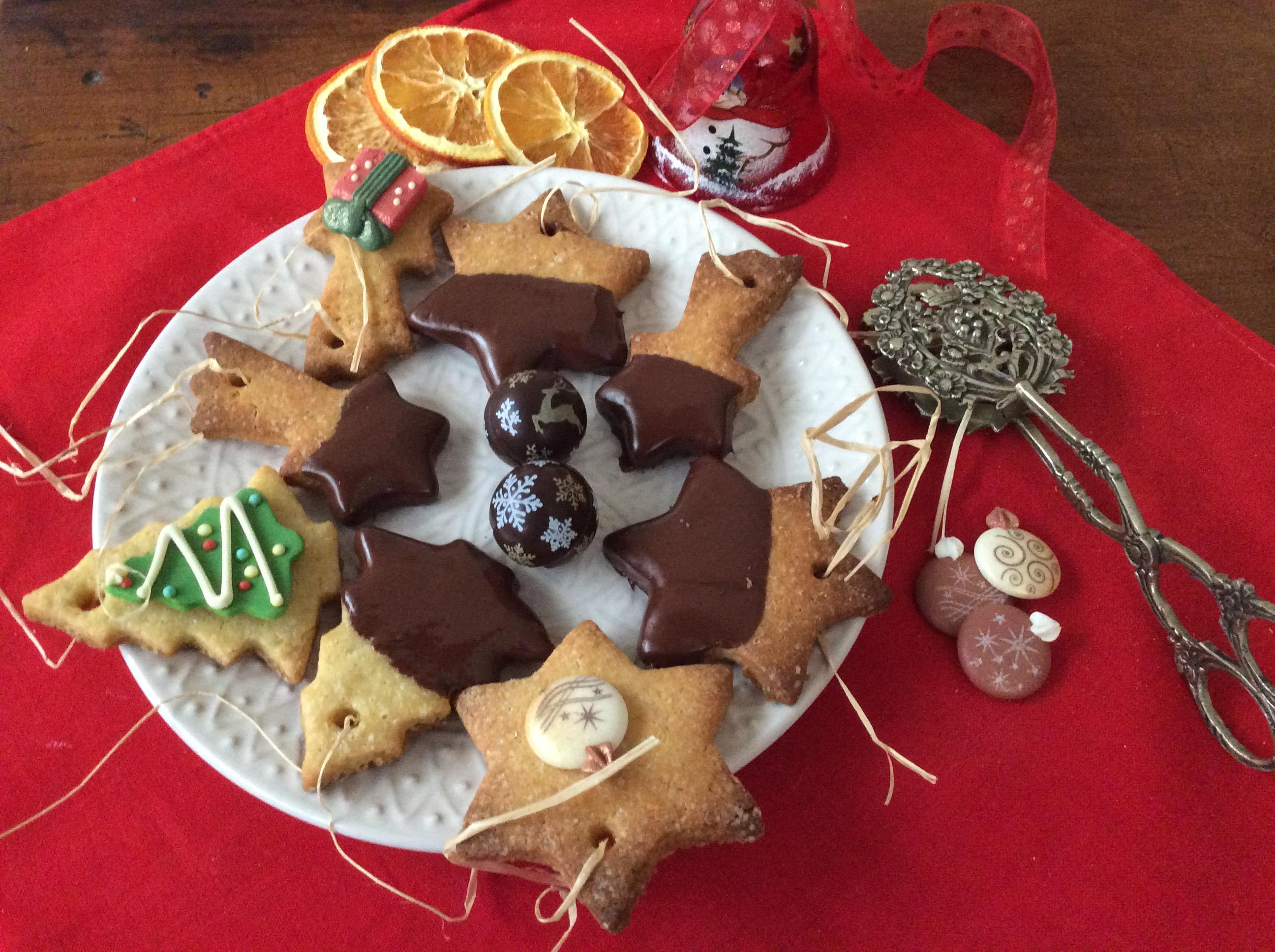 Biscotti Di Natale Ricette Giallo Zafferano.Biscotti Di Natale Con Semola Di Grano Duro Ricette Di