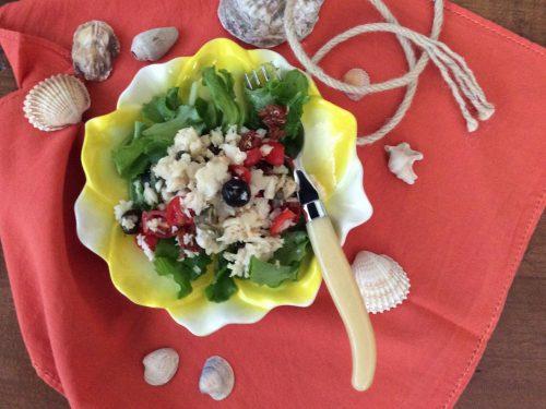 Insalata di baccalà con pomodorini capperi e olive