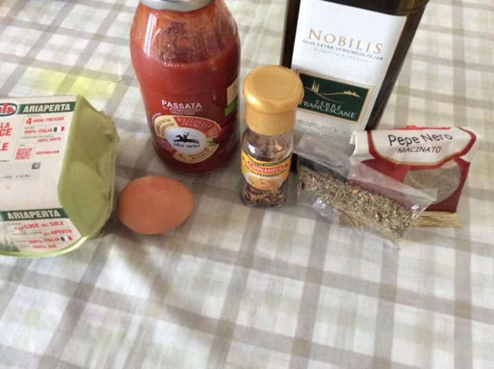 ingredienti per uova in purgatorio