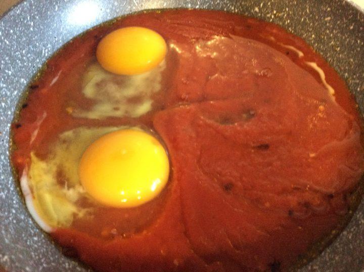 uova in purgatorio in cottura