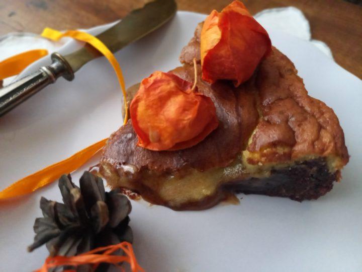fetta di Torta tenerina bicolore con cuore morbido