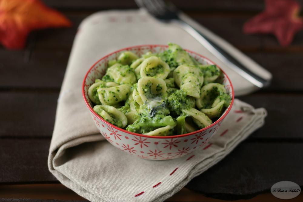 Orecchiette con broccoli e gorgonzola