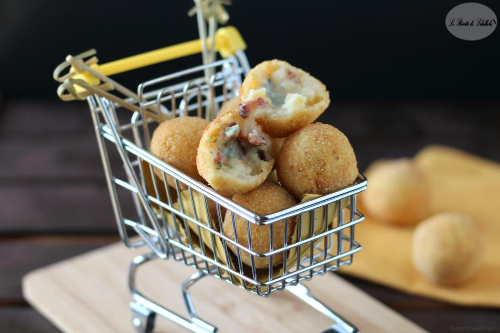 Polpette di patate e bacon con cuore di gorgonzola