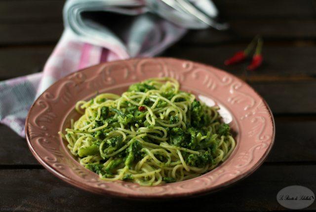 spaghetti-aglio-olio-broccoletti