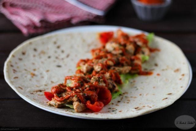 piadina-pollo-e-salsa-peperone