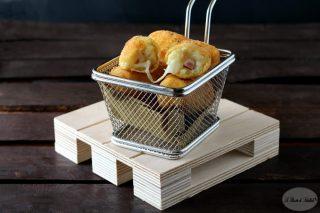 Crocchette di patate con prosciutto cotto e mozzarella