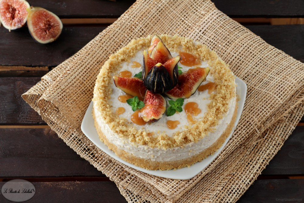 Cheesecake ai fichi e noci