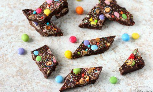 Barrette di cioccolato con confetti colorati
