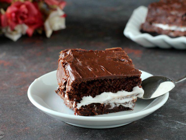 Torta al cioccolato e crema al latte