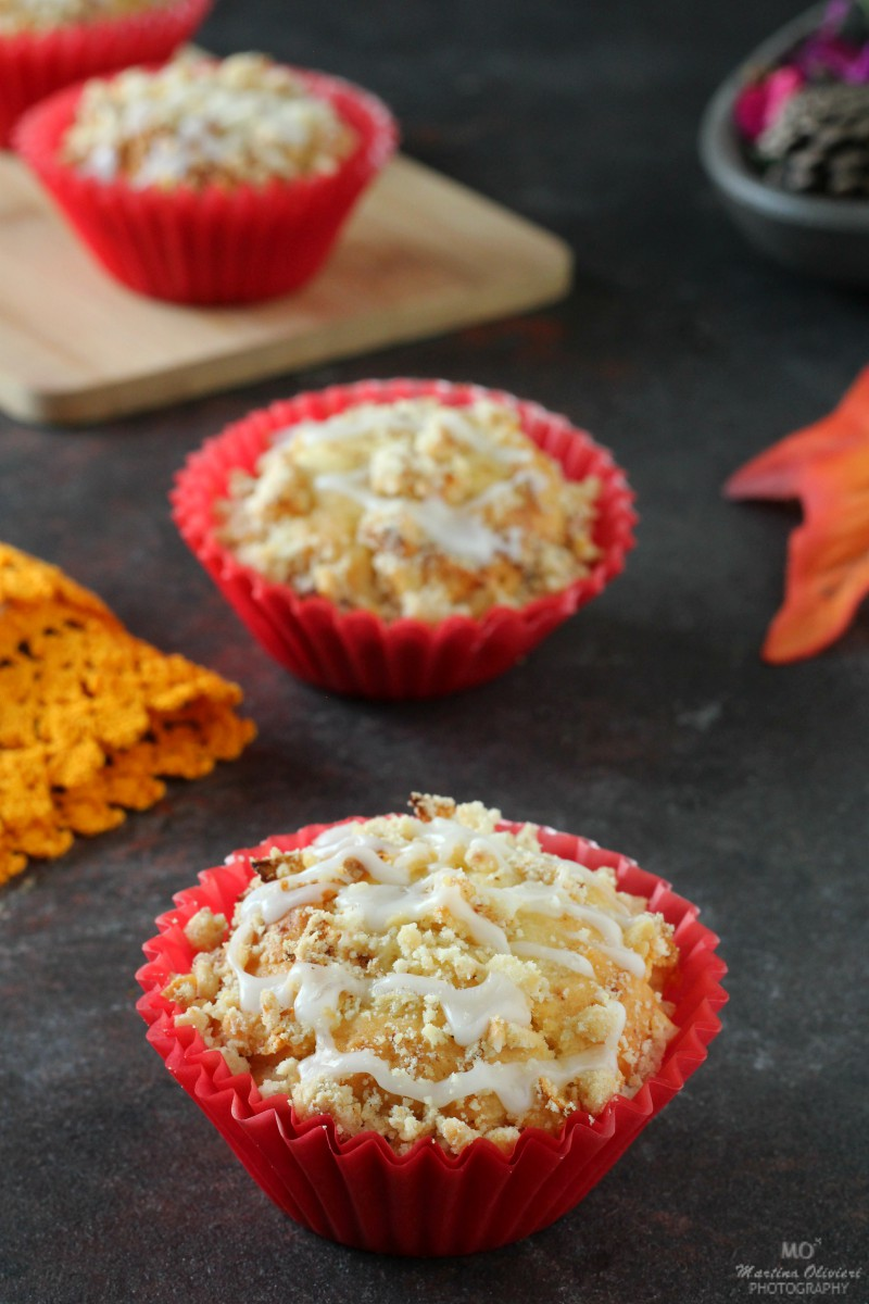 Muffin alle mele con crumble alle nocciole