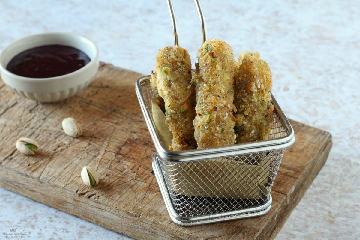 Stick di mozzarella e pistacchi