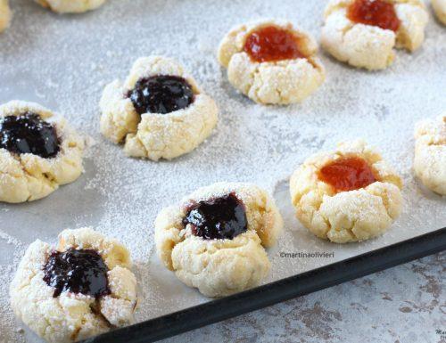 Biscotti morbidi con marmellata
