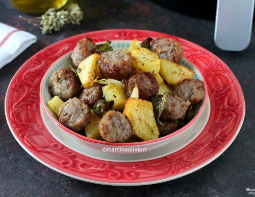 Salsicce e patate con friggitelli – Friggitrice ad aria calda