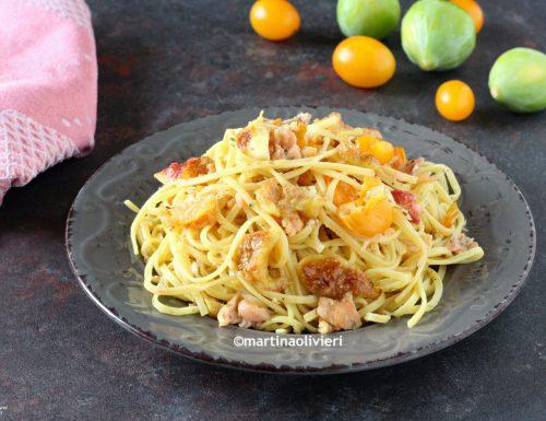 Pasta con salmone, pomodorini gialli e fichi