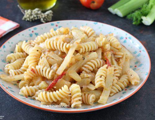 Pasta con finocchi e pomodorini