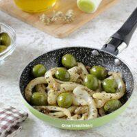 Finocchi con capperi e olive cotti in padella