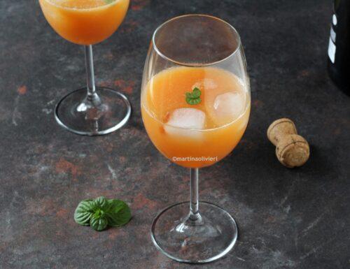 Cocktail al mango e papaya