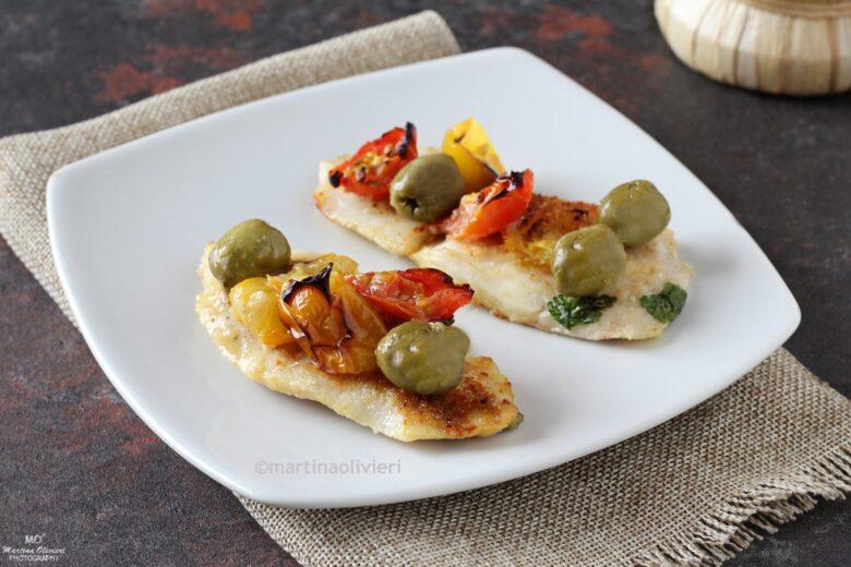 Filetti di merluzzo con pomodorini e olive