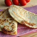 Cascione romagnolo con pomodoro e mozzarella